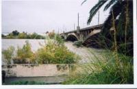 En 2011, le débit du Var était de 1300 m3/s au niveau du Pont Napoléon III à Nice. Il a atteind 1700 m3/s en 1993.